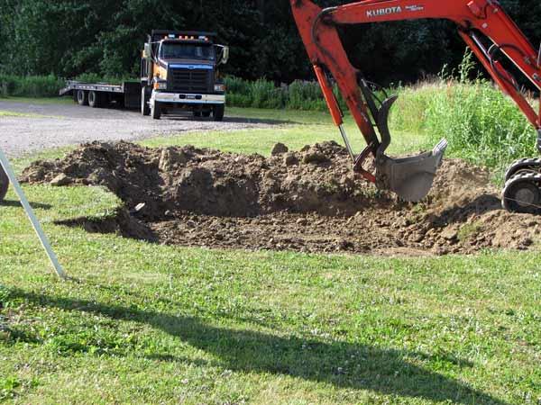 Movimentazione-terreno-per-orto-poviglio