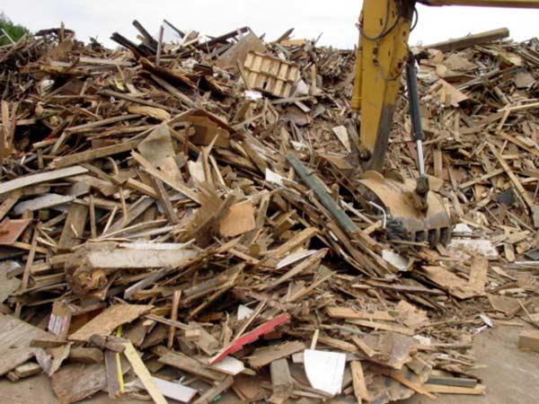 Smaltimento-rifiuti-edili-lentigione-di-brescello